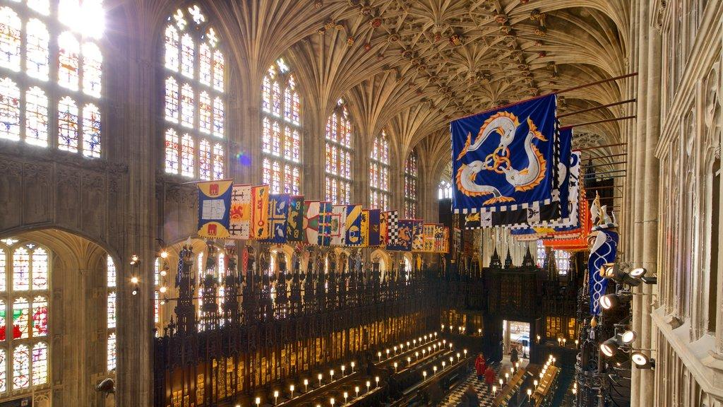 Capilla de San Jorge que incluye elementos del patrimonio, vistas interiores y una iglesia o catedral