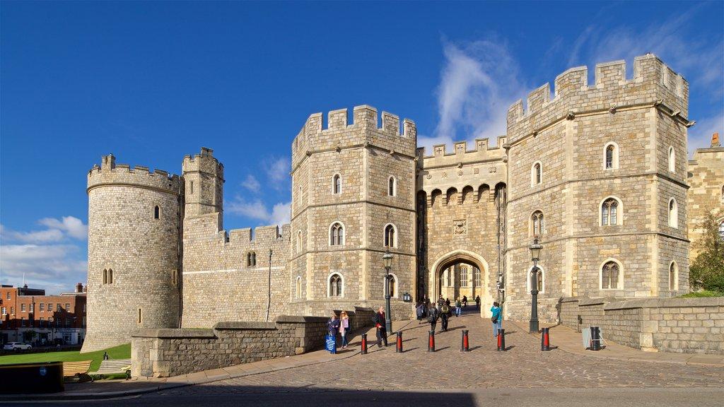 Windsor Castle ofreciendo patrimonio de arquitectura y un castillo