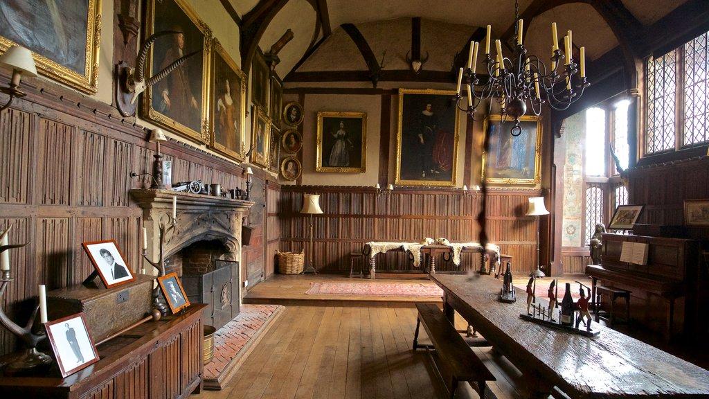 Dorney Court ofreciendo elementos del patrimonio, arte y vistas interiores