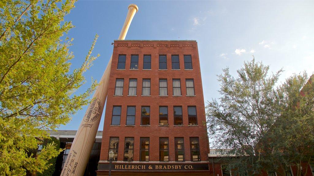 Louisville Slugger Museum showing outdoor art