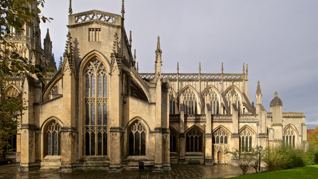 St. Mary Redcliffe Church which includes a church or cathedral and heritage architecture