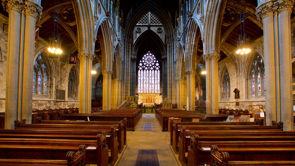 Doncaster Minster which includes a church or cathedral, interior views and heritage elements