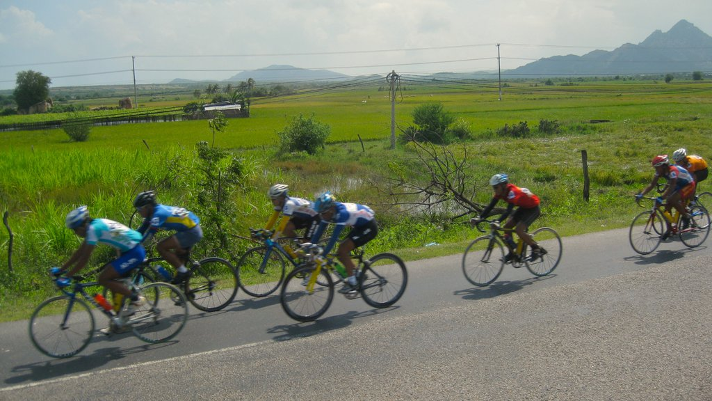Nha Trang showing a sporting event, road cycling and tranquil scenes