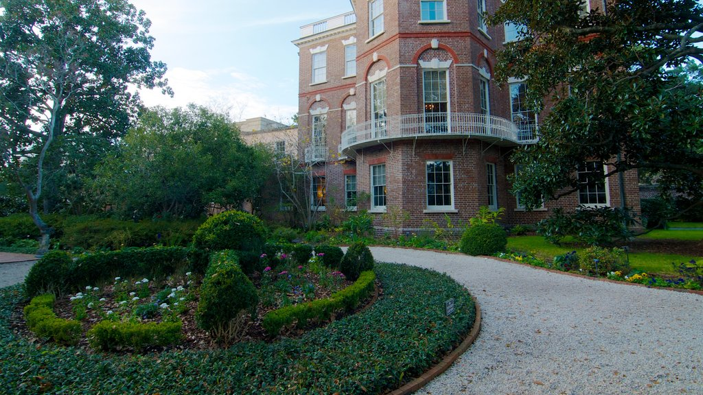 Nathaniel Russell House caracterizando uma casa e arquitetura de patrimônio