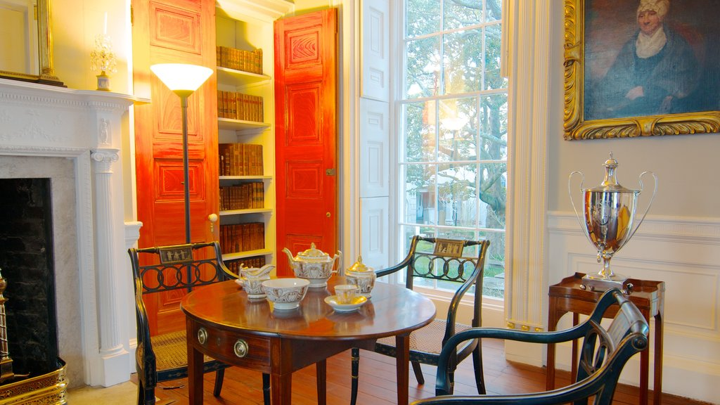 Nathaniel Russell House caracterizando vistas internas e arquitetura de patrimônio