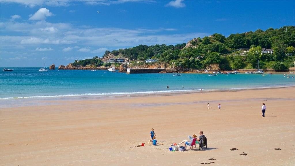 St Brelade\'s Bay Beach which includes landscape views, general coastal views and a sandy beach
