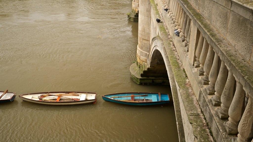 Richmond Bridge featuring a bridge and a river or creek