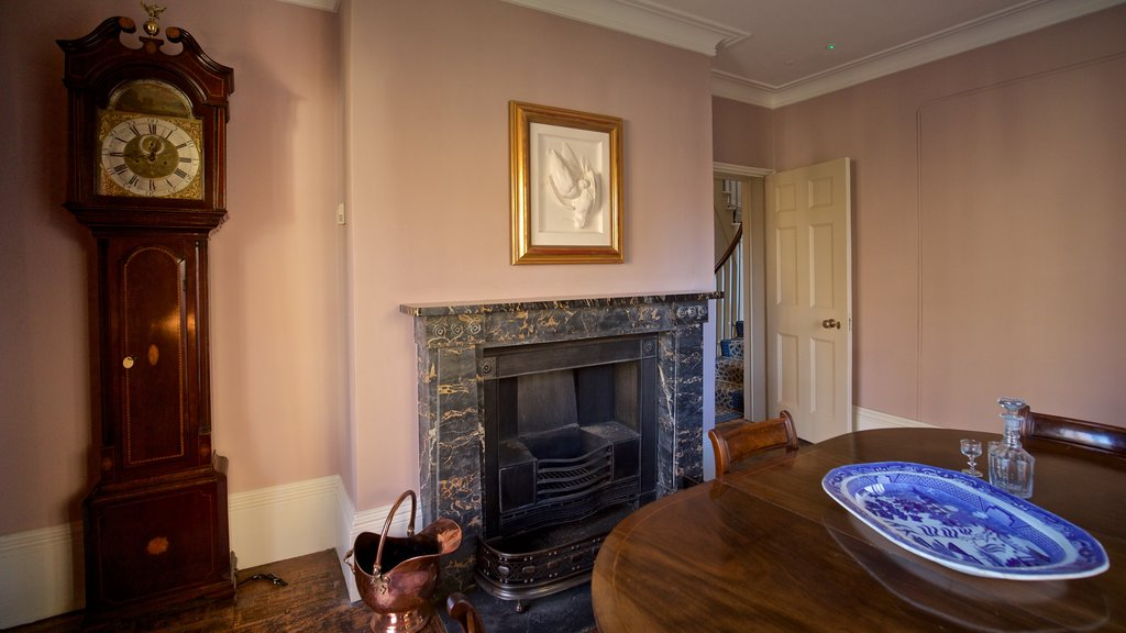 Twickenham showing interior views, art and a house