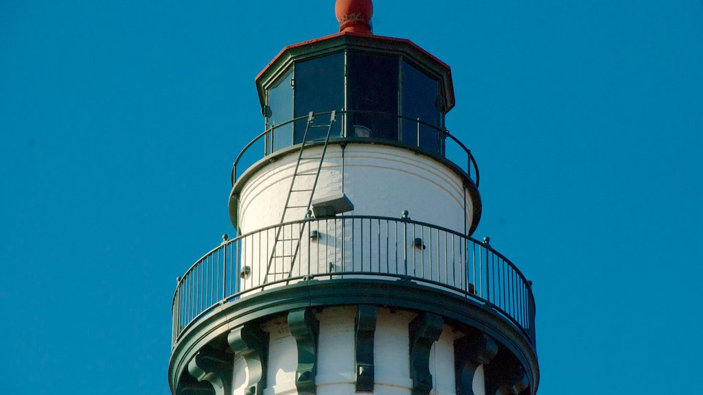 Wind Point Lighthouse which includes heritage architecture and a lighthouse