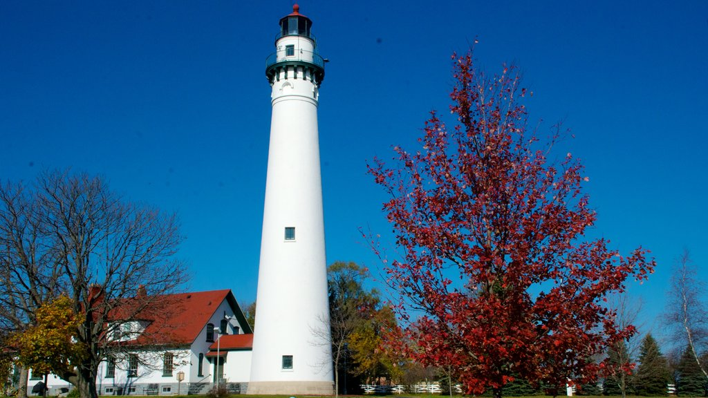 Wind Point Lighthouse which includes fall colors, a lighthouse and heritage architecture