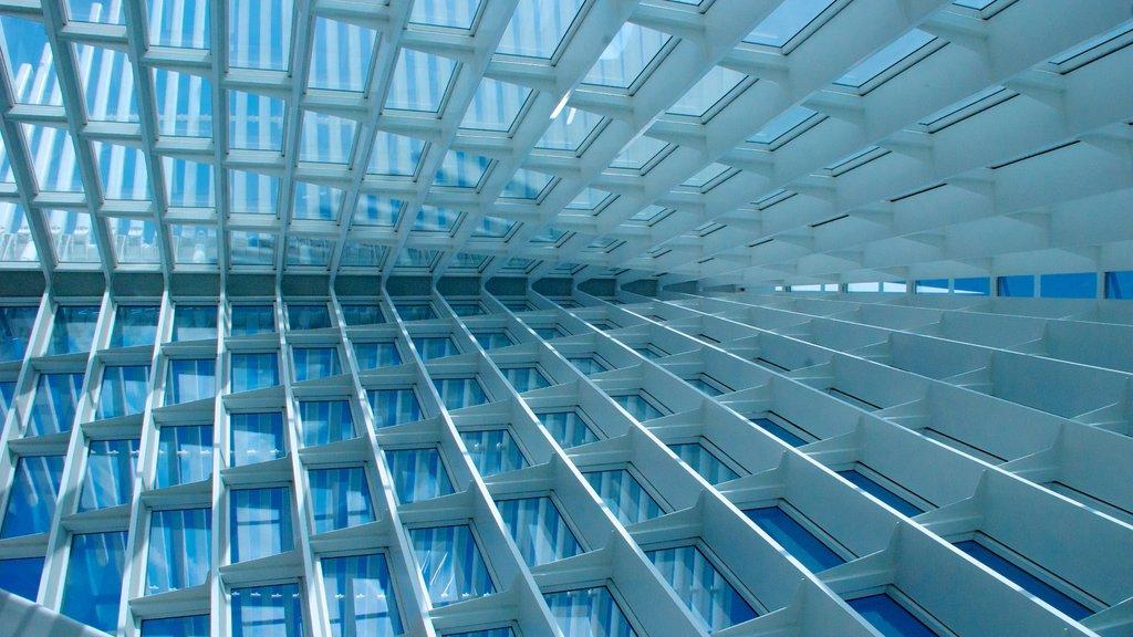 Milwaukee Art Museum showing art and interior views