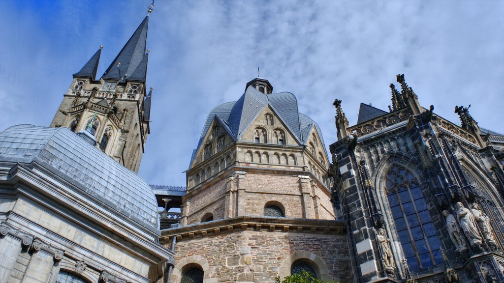 North Rhine-Westphalia which includes heritage architecture, religious aspects and a church or cathedral