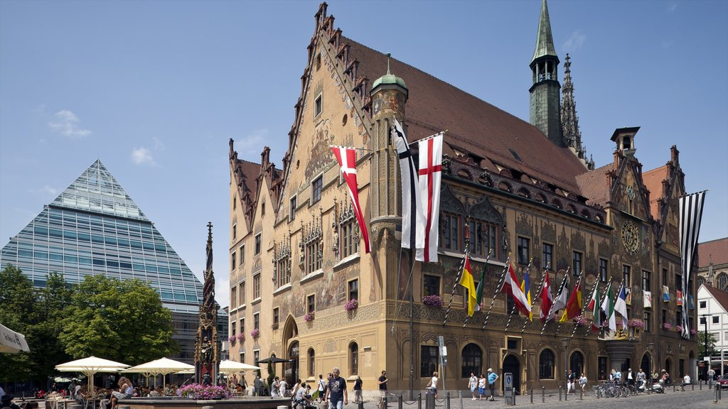 Ulm showing a city, street scenes and a square or plaza