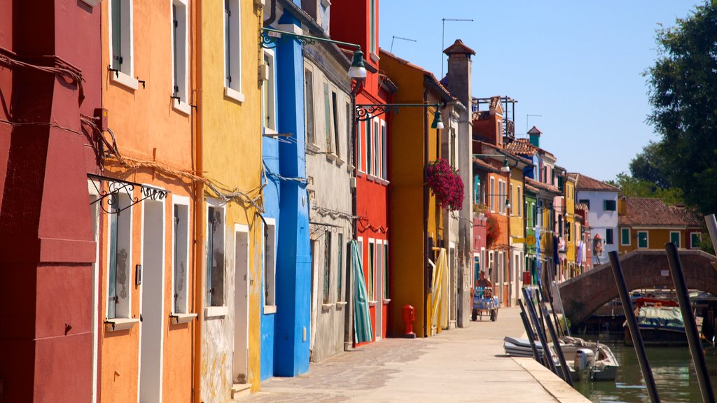 Burano featuring heritage architecture, street scenes and a city