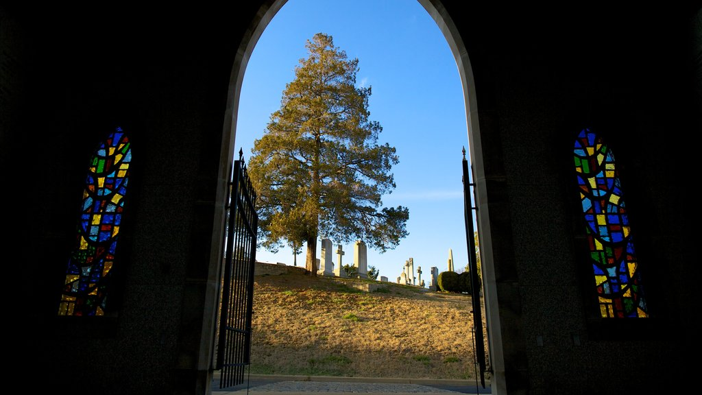 Richmond featuring a cemetery