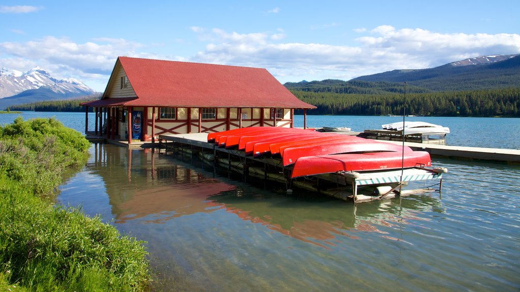 Maligne Lake showing kayaking or canoeing and a lake or waterhole