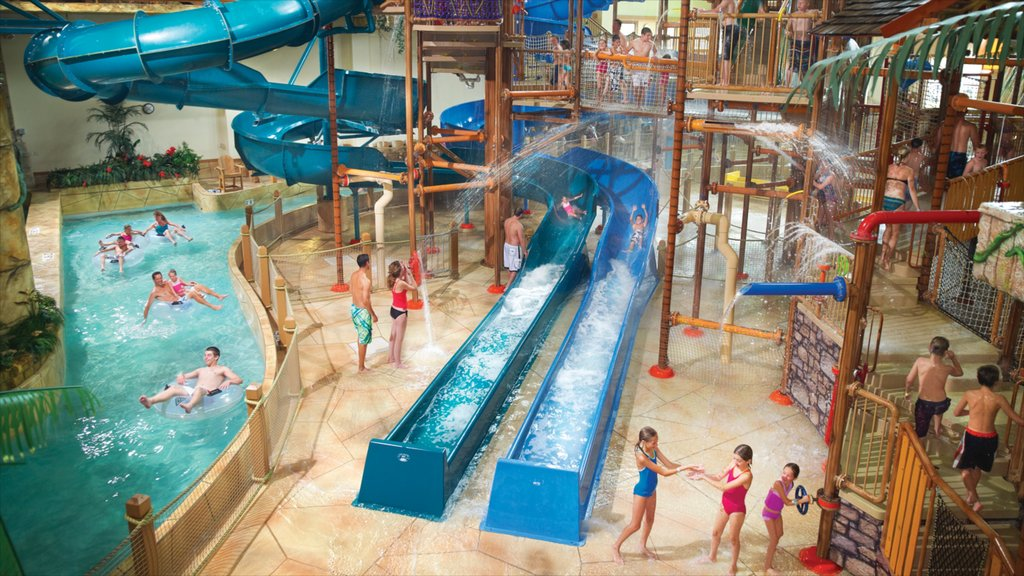 Wisconsin Dells featuring interior views, rides and a waterpark