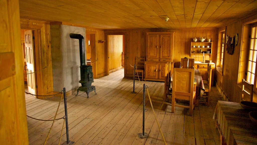Fort Edmonton Park showing interior views