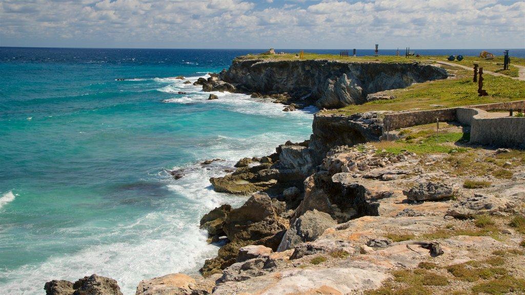 Isla Mujeres showing general coastal views and rocky coastline
