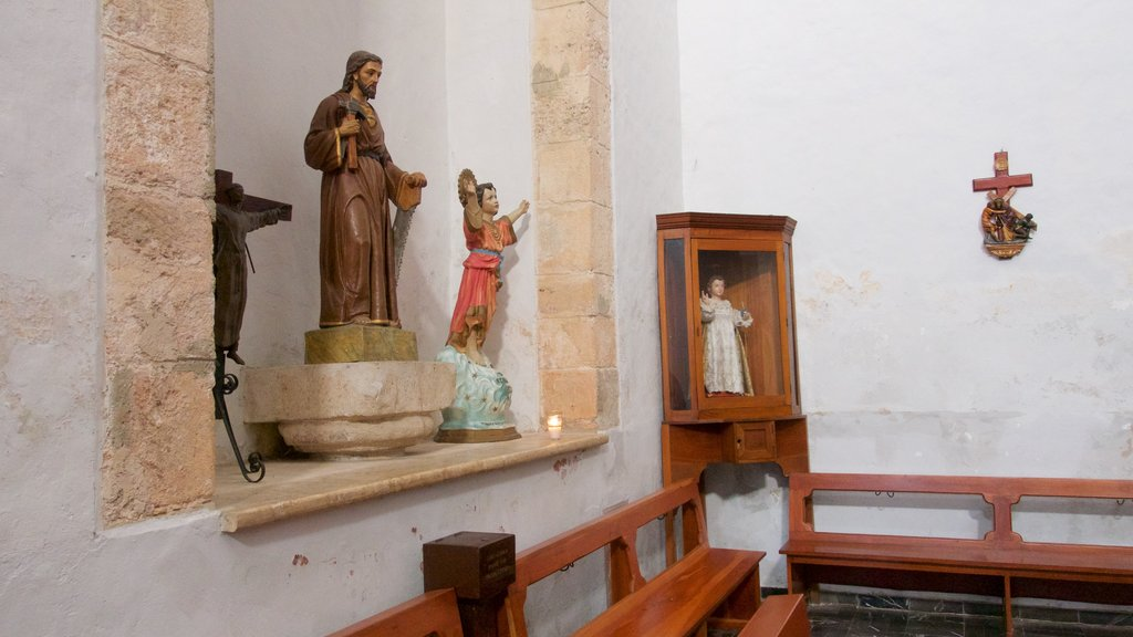 Valladolid featuring religious elements and interior views