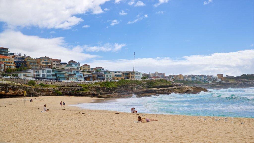 Bronte Beach featuring a coastal town, general coastal views and a beach