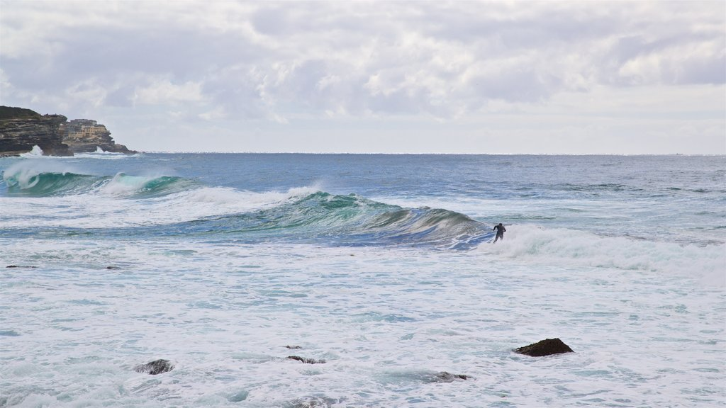 Bronte Beach which includes surf, general coastal views and surfing