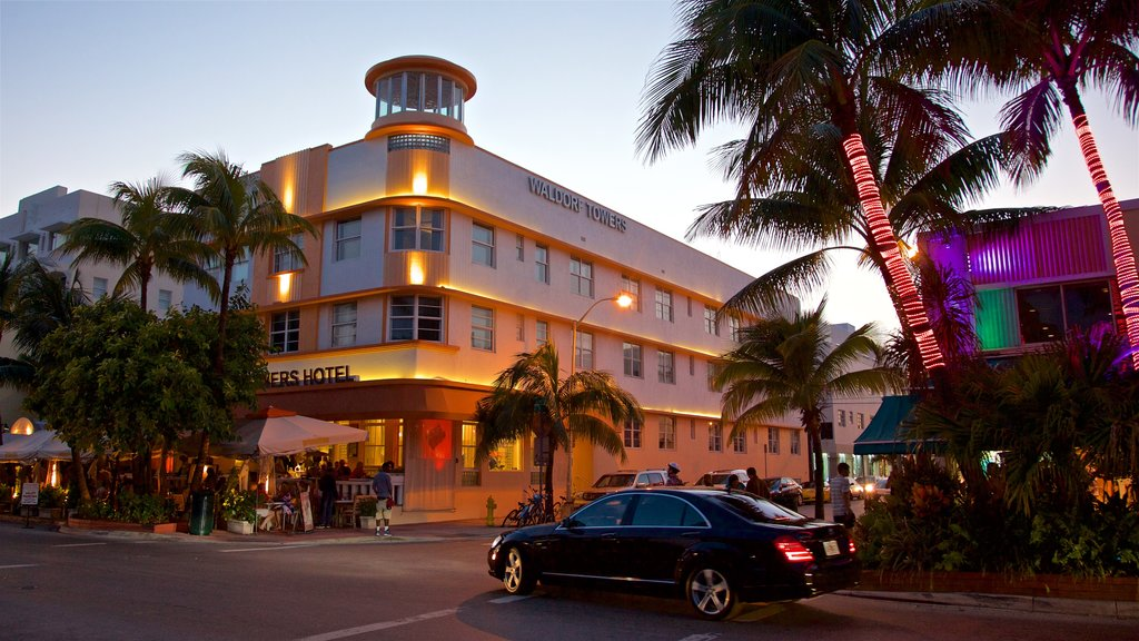 Art Deco Historic District showing a sunset