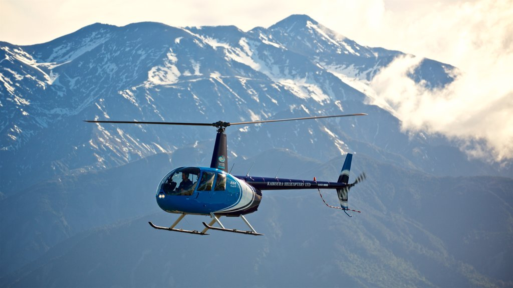 Kaikoura which includes an aircraft and mountains