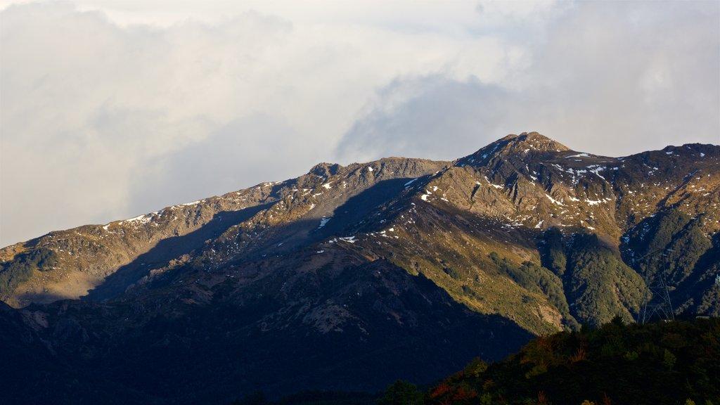Hanmer que incluye montañas y vistas de paisajes