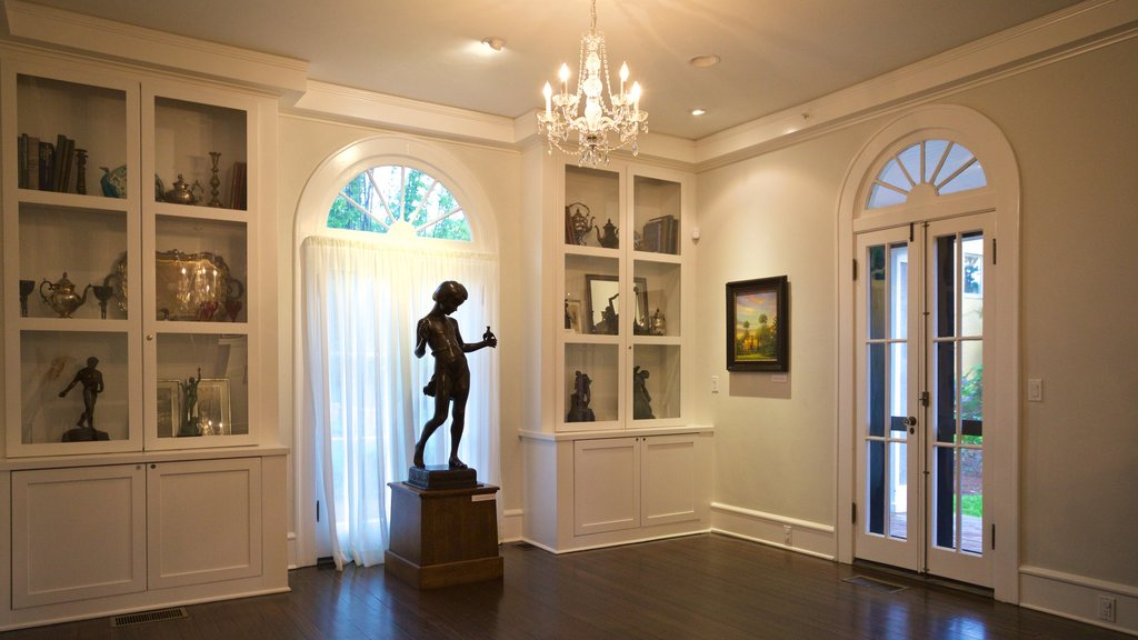 Orlando showing interior views and a statue or sculpture
