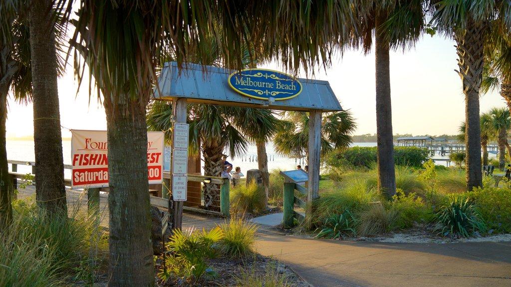 Melbourne Beach featuring a park