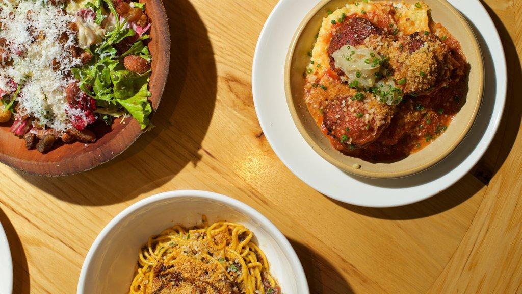 Orlando featuring food