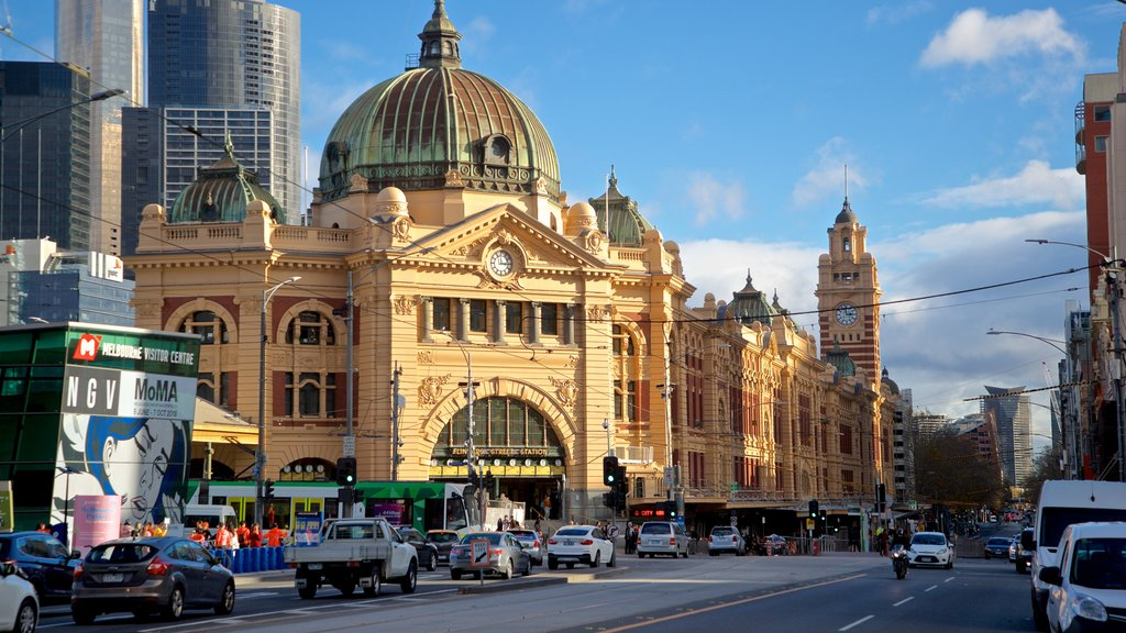 Melbourne which includes heritage architecture