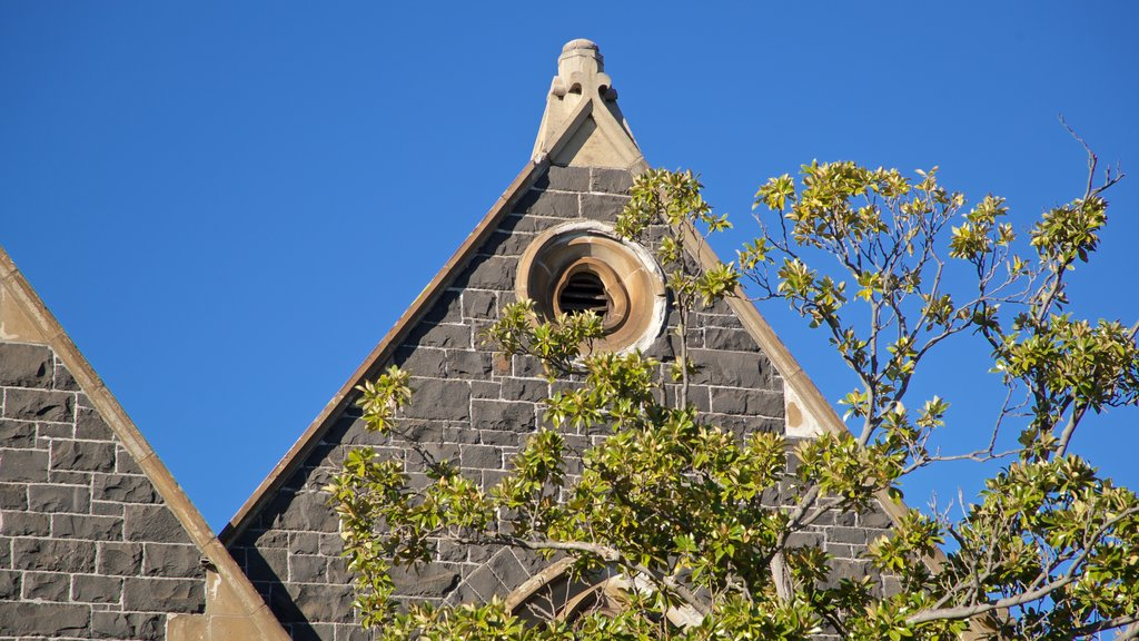 St Kilda featuring a church or cathedral