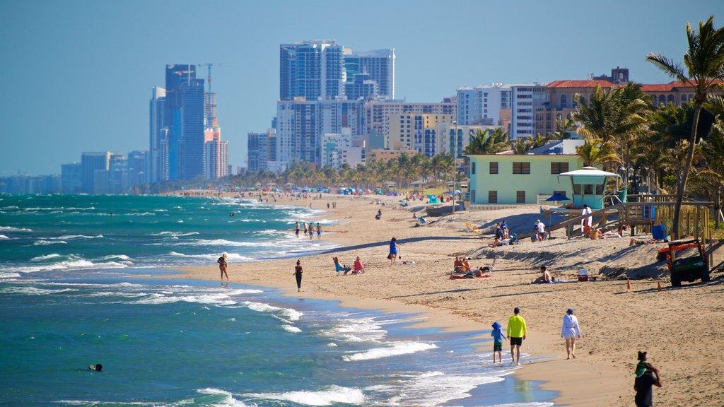 Dania Beach showing a coastal town, general coastal views and a beach