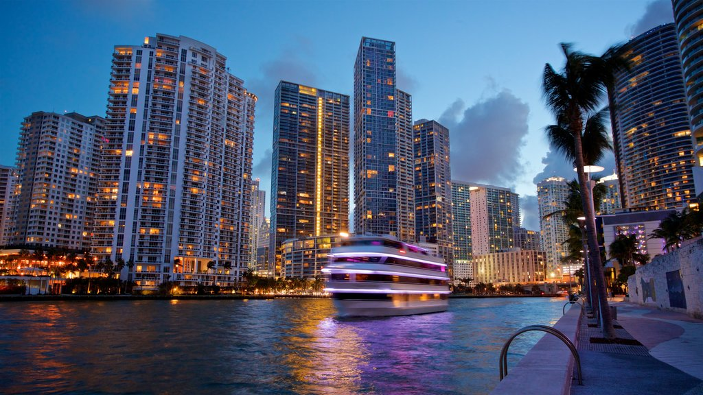Downtown Miami featuring cruising, night scenes and a city