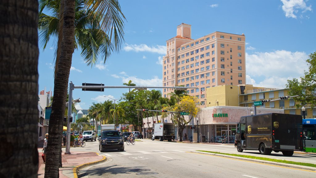 Espanola Way and Washington Avenue