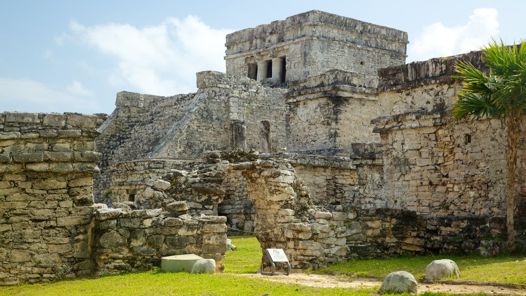 Tulum Mayan Ruins which includes a ruin