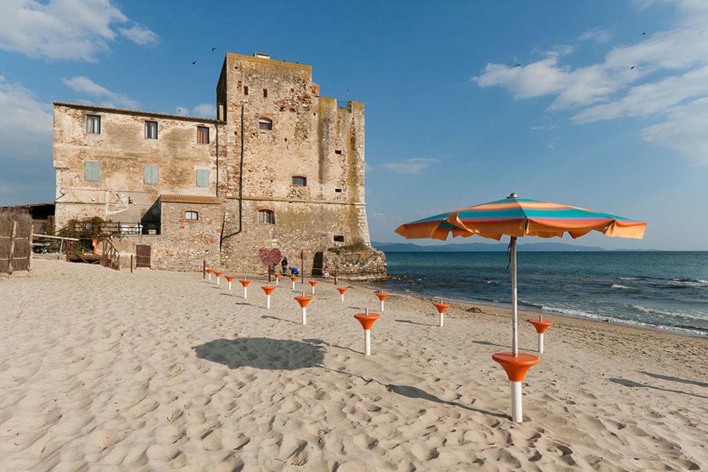 Bagno Conchiglia Follonica : Le 15 più belle spiagge della maremma