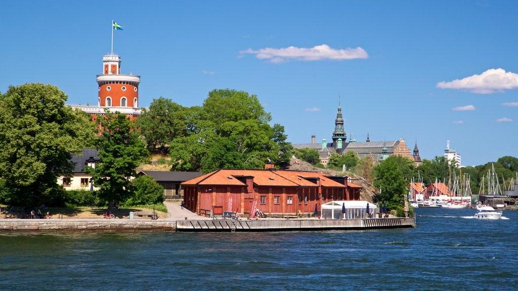 Skeppsholmen ofreciendo una bahía o puerto