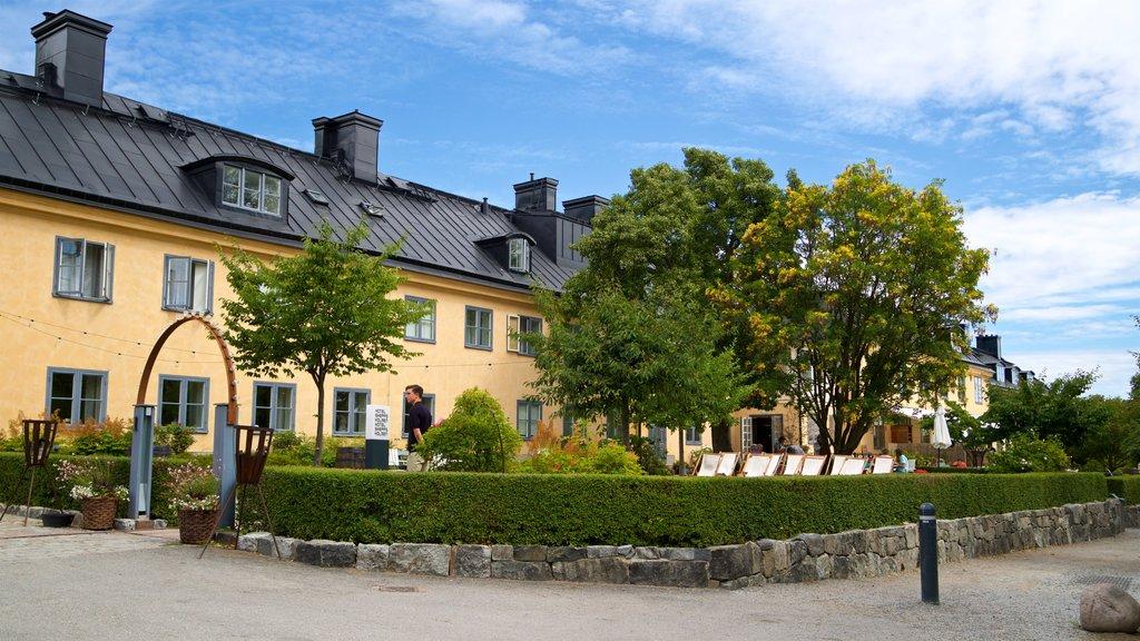 Skeppsholmen mostrando un jardín