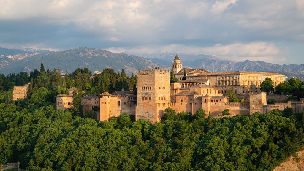 Alhambra showing heritage architecture, landscape views and a castle