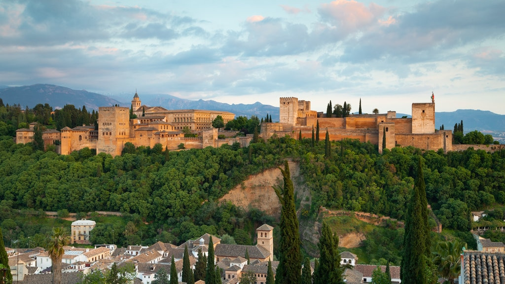 Alhambra featuring heritage architecture, chateau or palace and landscape views