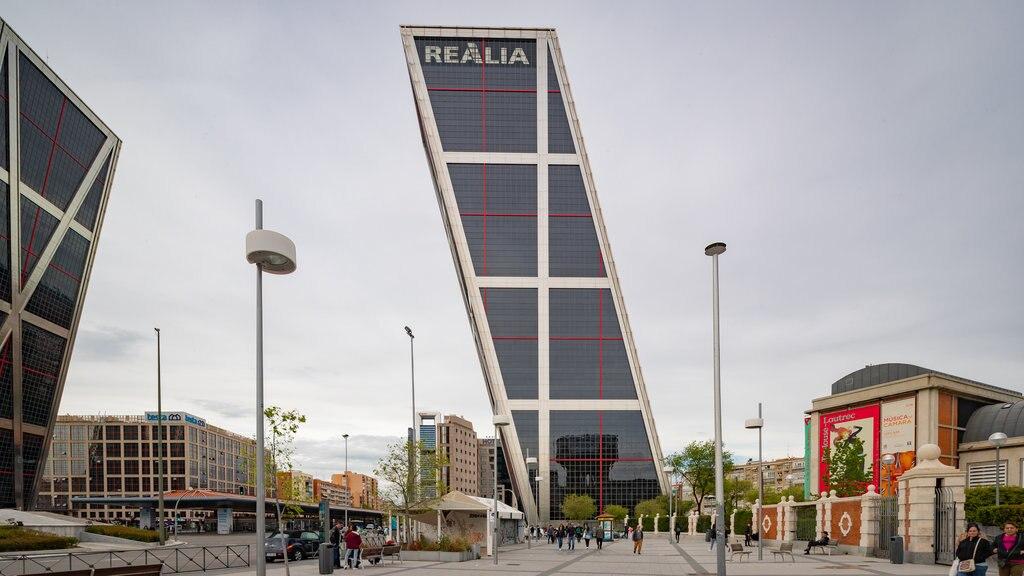 Plaza de Castilla featuring modern architecture and signage