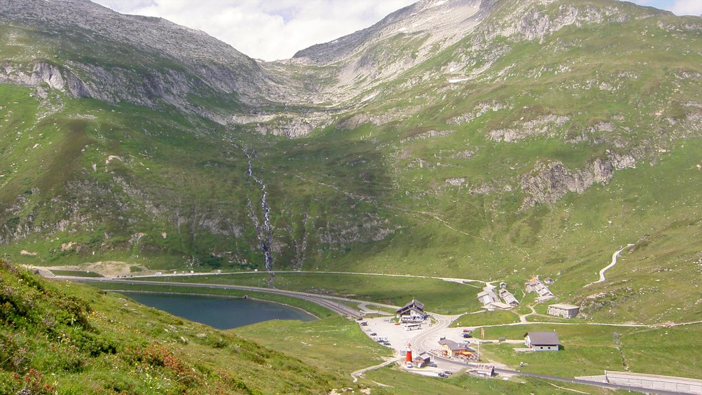 Andermatt which includes mountains and landscape views