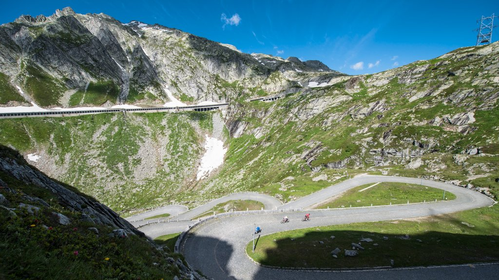 Andermatt featuring landscape views and mountains
