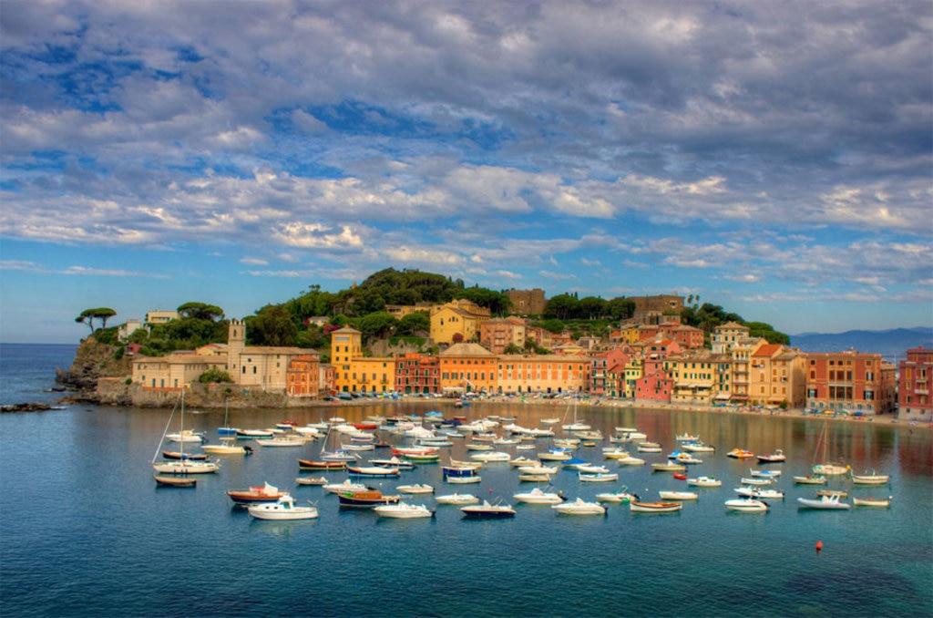 Sestri Levante  - I 10 borghi più belli della Liguria - By Jiuguang Wang, (Own work)  , via Wikimedia Commons