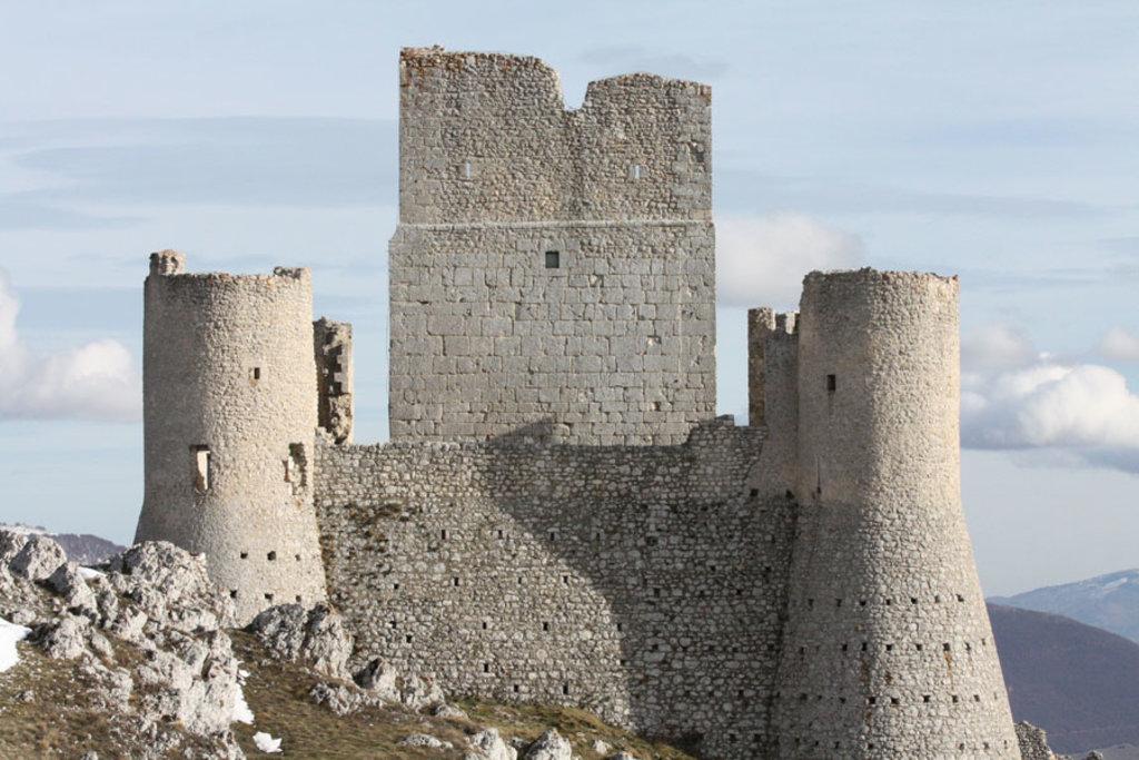 Castello di Rocca Calascio in provincia di l