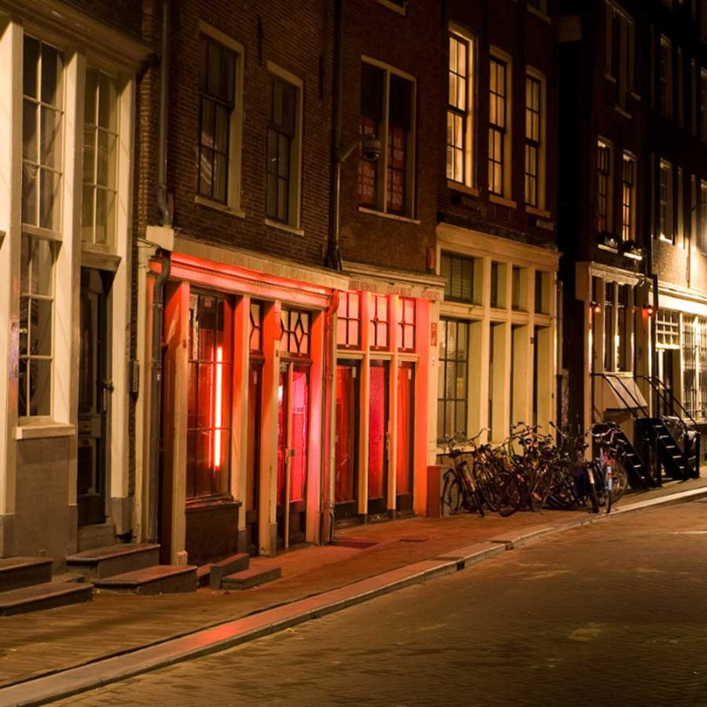 Edifici del quartiere a luci rosse - By Massimo Catarinella (Own work)  , via Wikimedia Commons