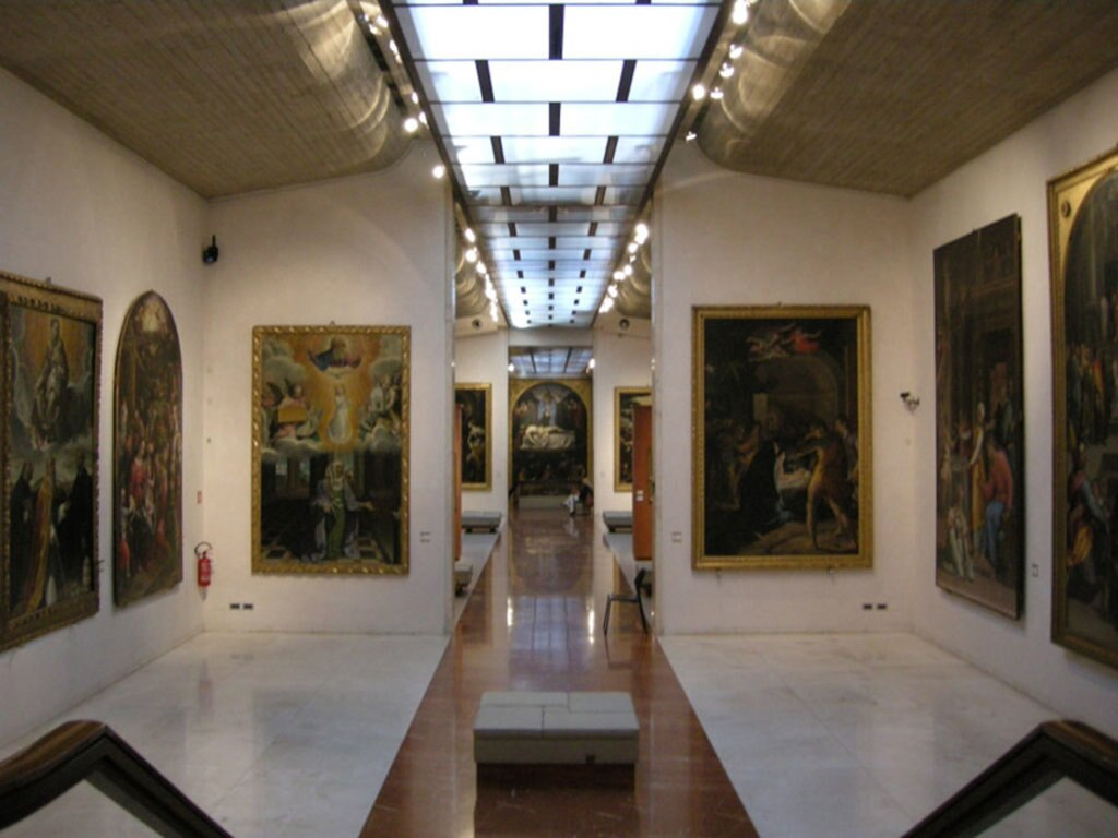 Una sala della Pinacoteca Nazionale di Bologna - By Sailko  , via Wikimedia Commons